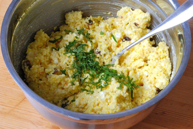 Couscous saffron mixture