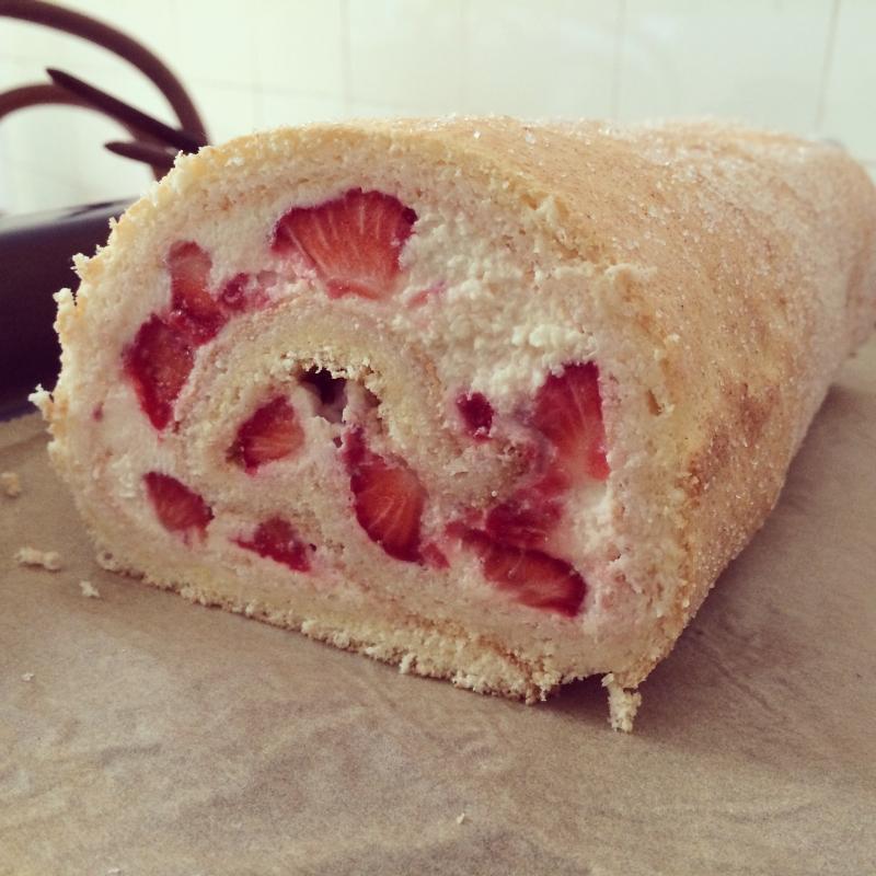 Erdbeer-Sahne-Rolle