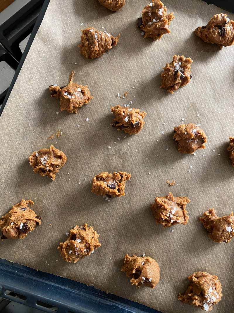 Gluten-Free Salted Peanut Butter Chocolate Chip Cookies