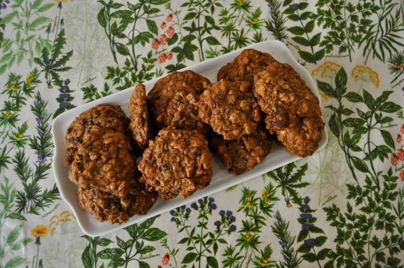 Teff Oatmeal Chocolate Chip Cookies