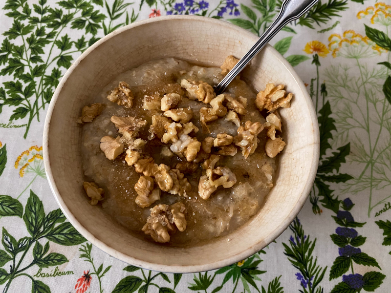 Towpath's Oatmeal with Walnuts and Butter