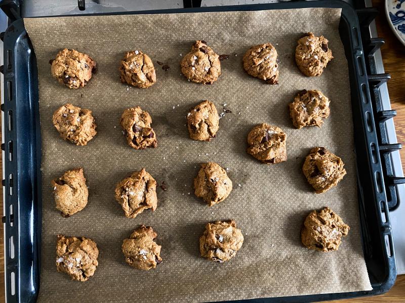 Flourless Salted Peanut Butter Chocolate Chip Cookies